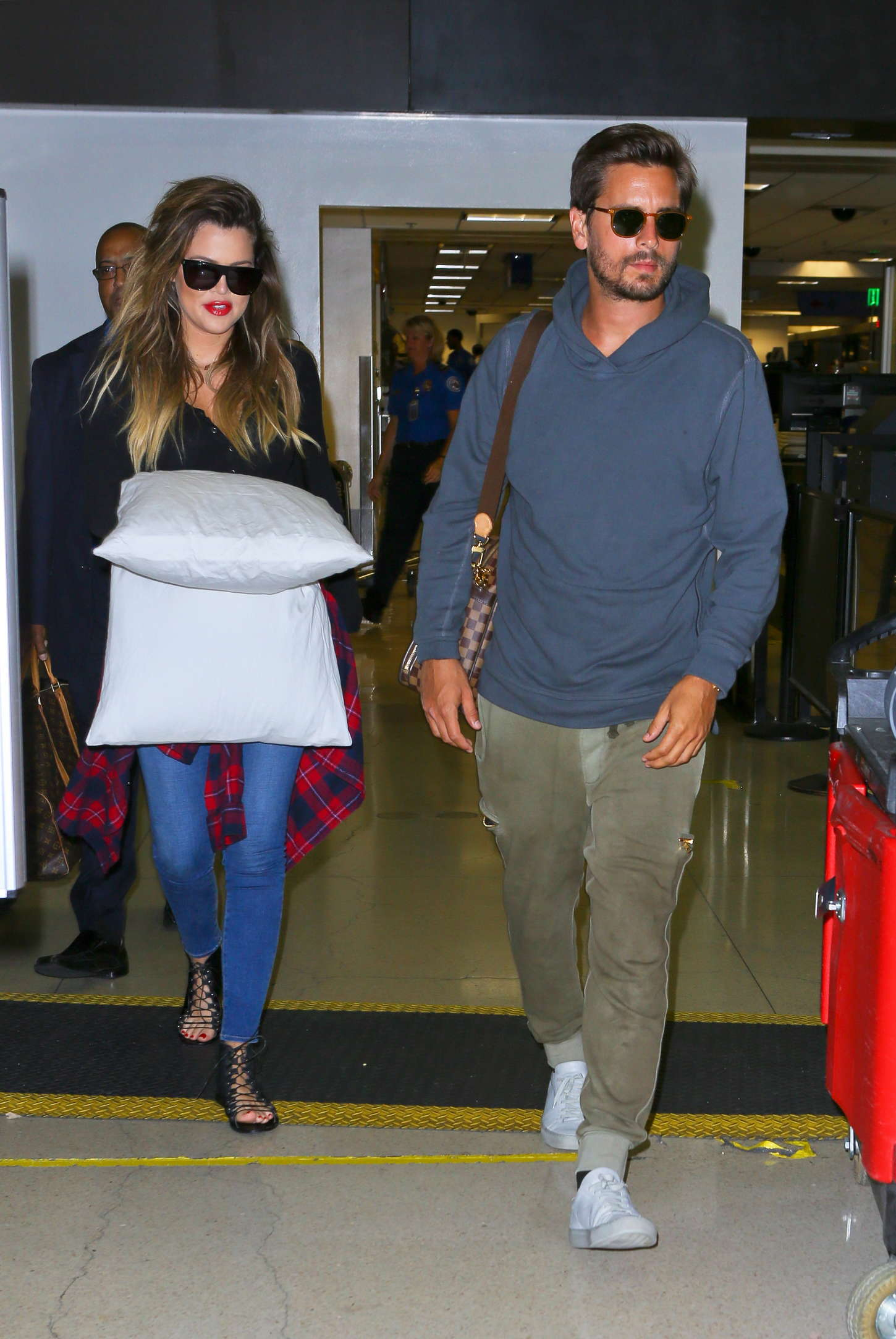Khloe Kardashian 2014 : Khloe Kardashian with Scott Disick at LAX airport -13