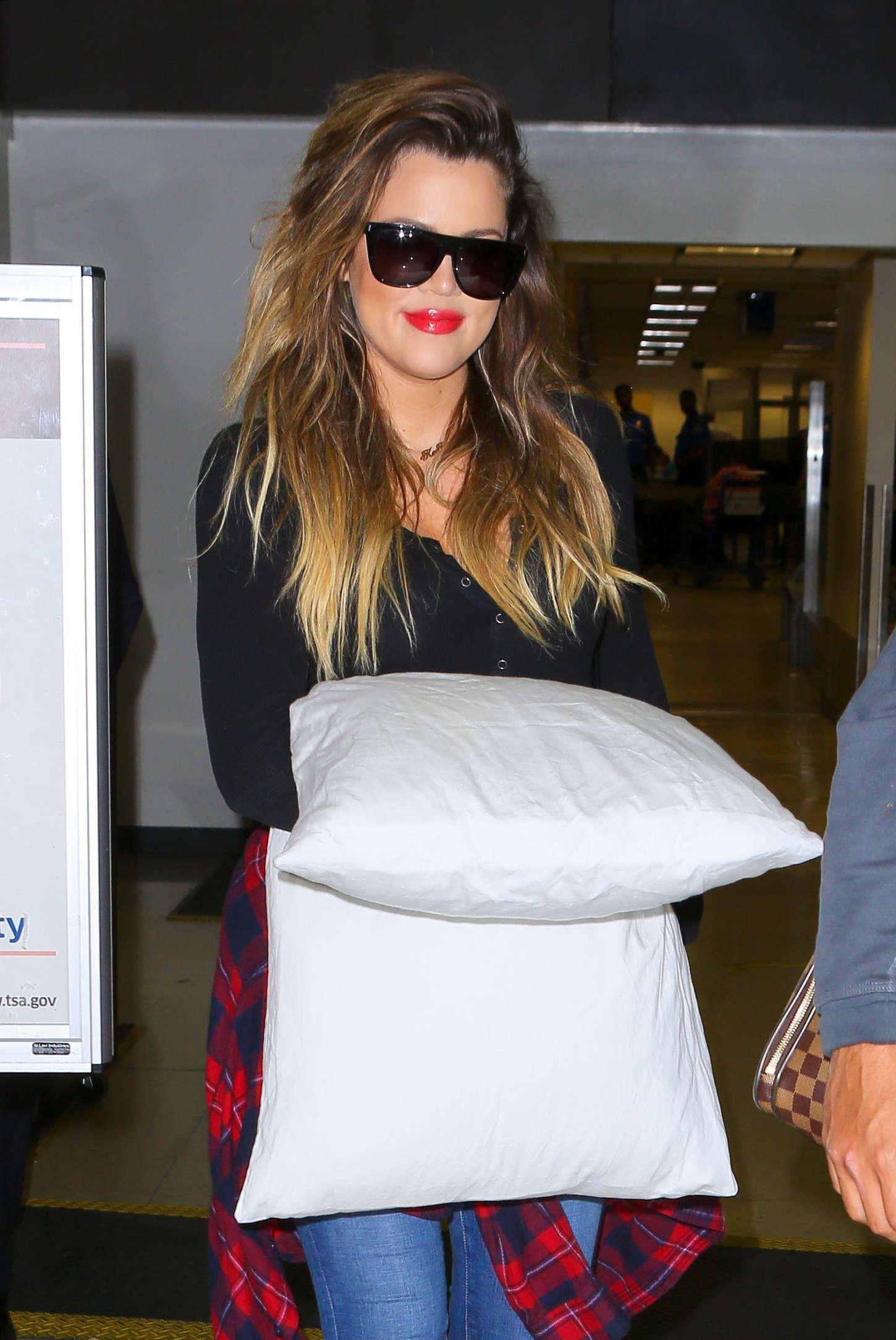 Khloe Kardashian 2014 : Khloe Kardashian with Scott Disick at LAX airport -14