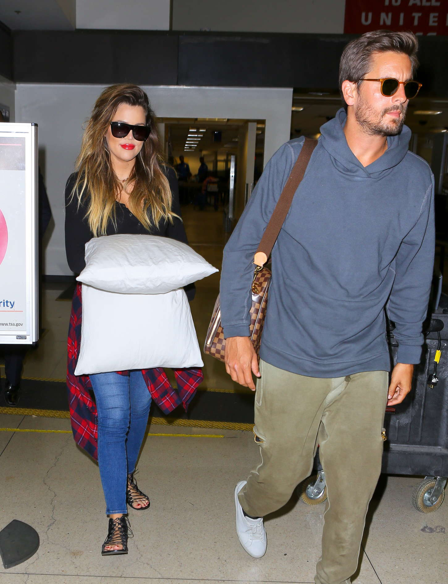 Khloe Kardashian 2014 : Khloe Kardashian with Scott Disick at LAX airport -19
