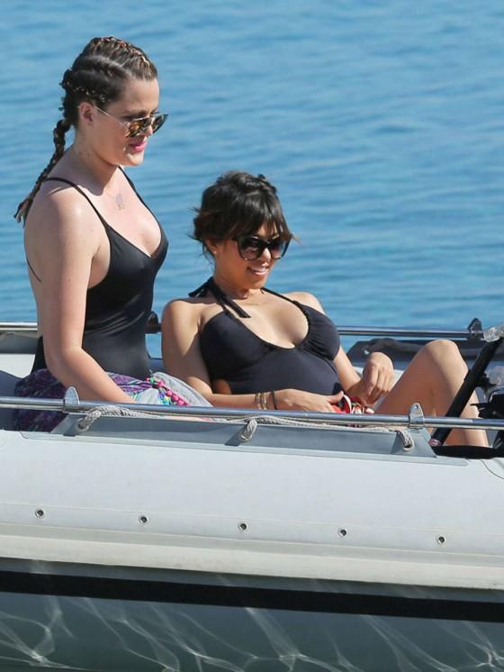 Khloe and Kourtney Kardashian Bikini Photos-17