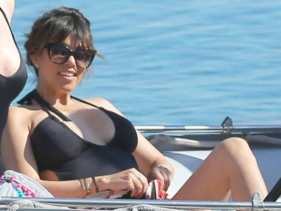 Khloe and Kourtney Kardashian Bikini Photos-19