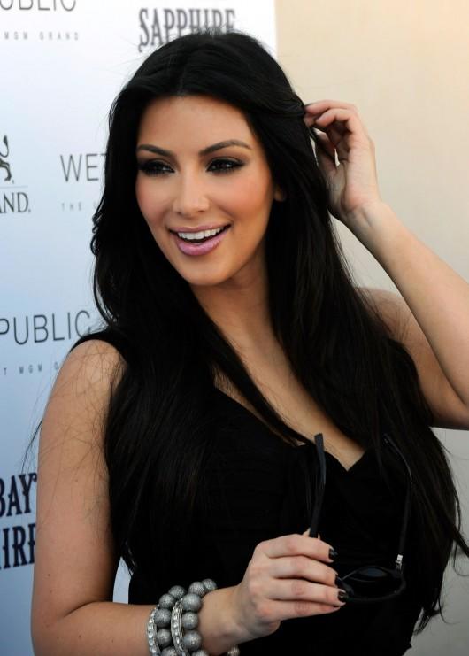kim-kardashian-kourtney-kardashian-birthday-party-in-las-vegas-03
