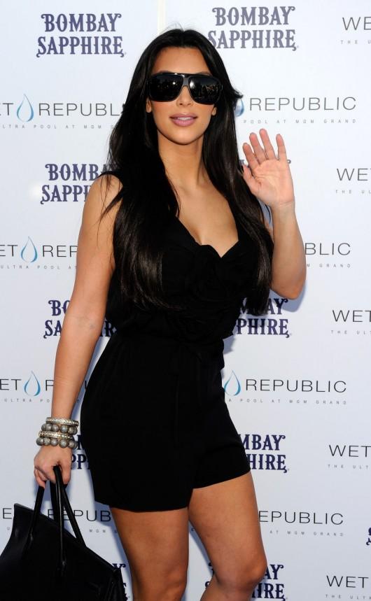 kim-kardashian-kourtney-kardashian-birthday-party-in-las-vegas-17