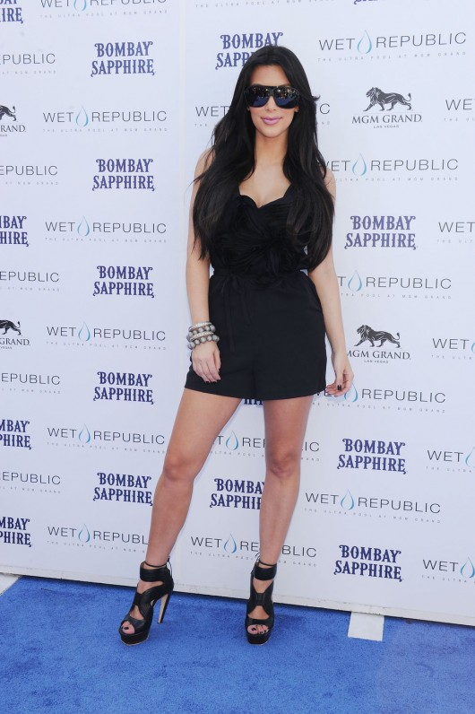 kim-kardashian-kourtney-kardashian-birthday-party-in-las-vegas-21