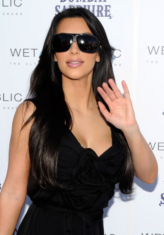 kim-kardashian-kourtney-kardashian-birthday-party-in-las-vegas-23