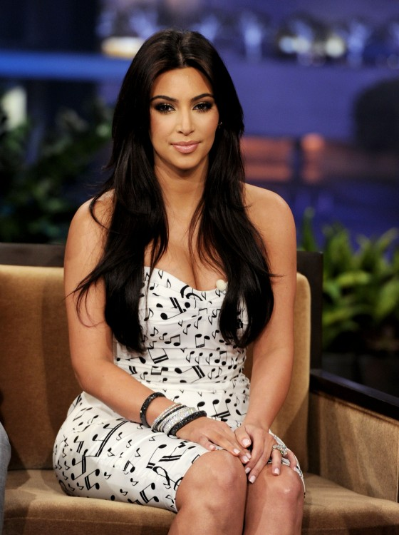 kim-kardashian-appearance-on-the-tonight-show-with-jay-leno-07