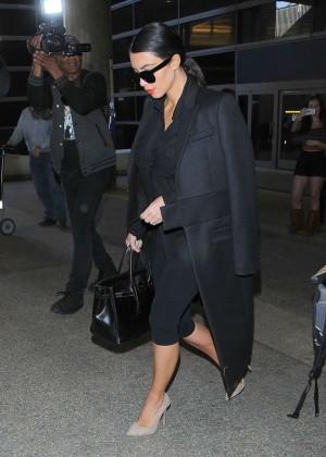 Kim Kardashian - Arrives at LAX Airport in LA