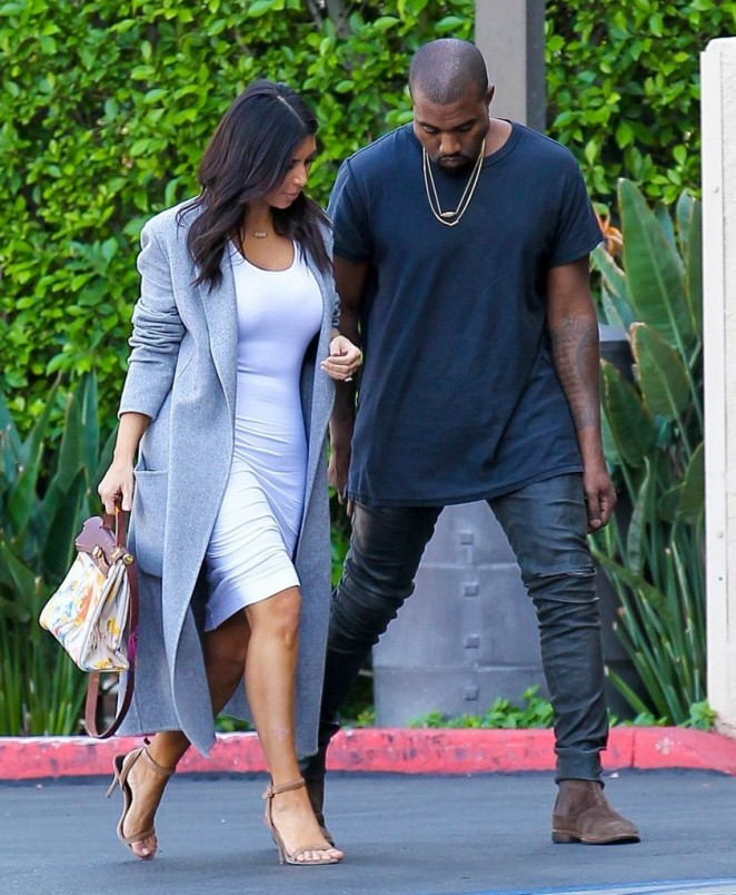 Kim Kardashian – Arriving at Jenner Communications in Woodland Hills
