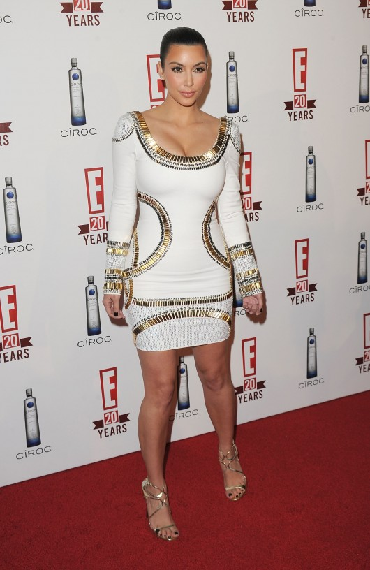 Kim Kardashian At E Televisions 20th Birthday Celebration May 2010 08