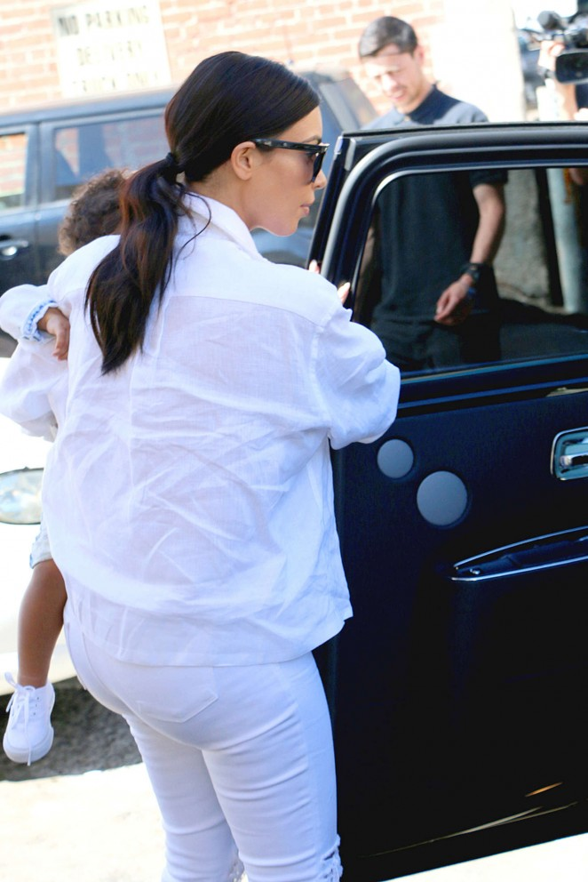 Kim Kardashian in White Jeans at Nate 'N Al of Beverly Hills