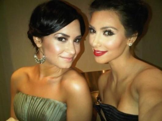 kim-kardashian-at-the-white-house-correspondents-dinner-02