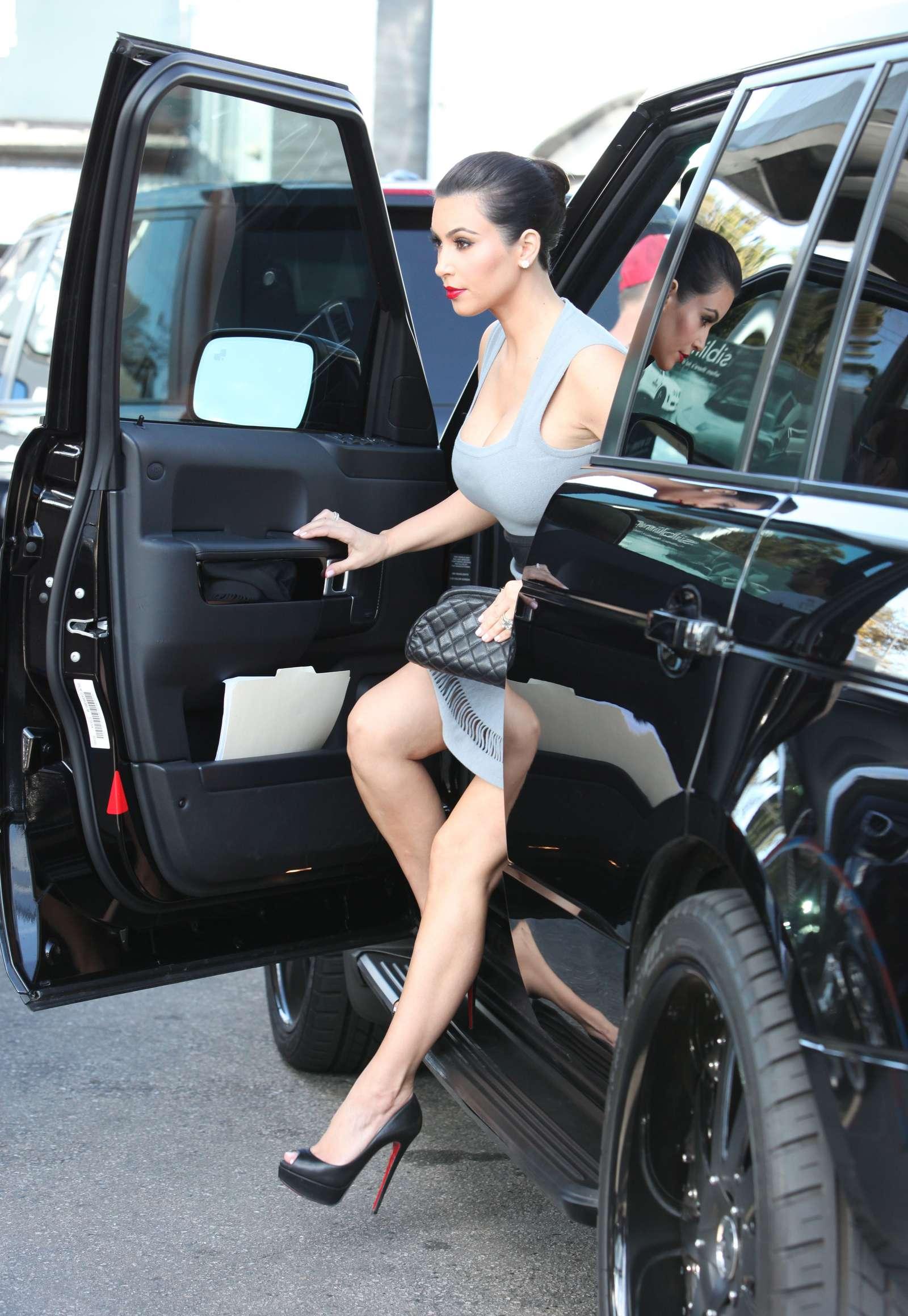 Kim Kardashian Car Dealership Beverly Hills Oct 4th 2011