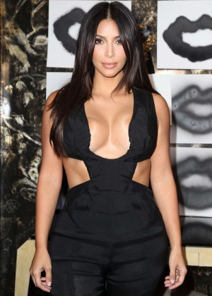 Kim Kardashian - Cassandra Huysentruyt Grey Hosts Artist In Los Angeles