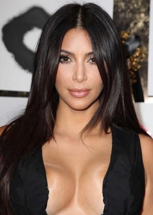 Kim Kardashian: Cassandra Huysentruyt Grey Hosts Artist -04