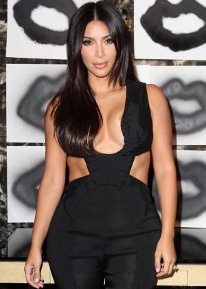 Kim Kardashian: Cassandra Huysentruyt Grey Hosts Artist -11