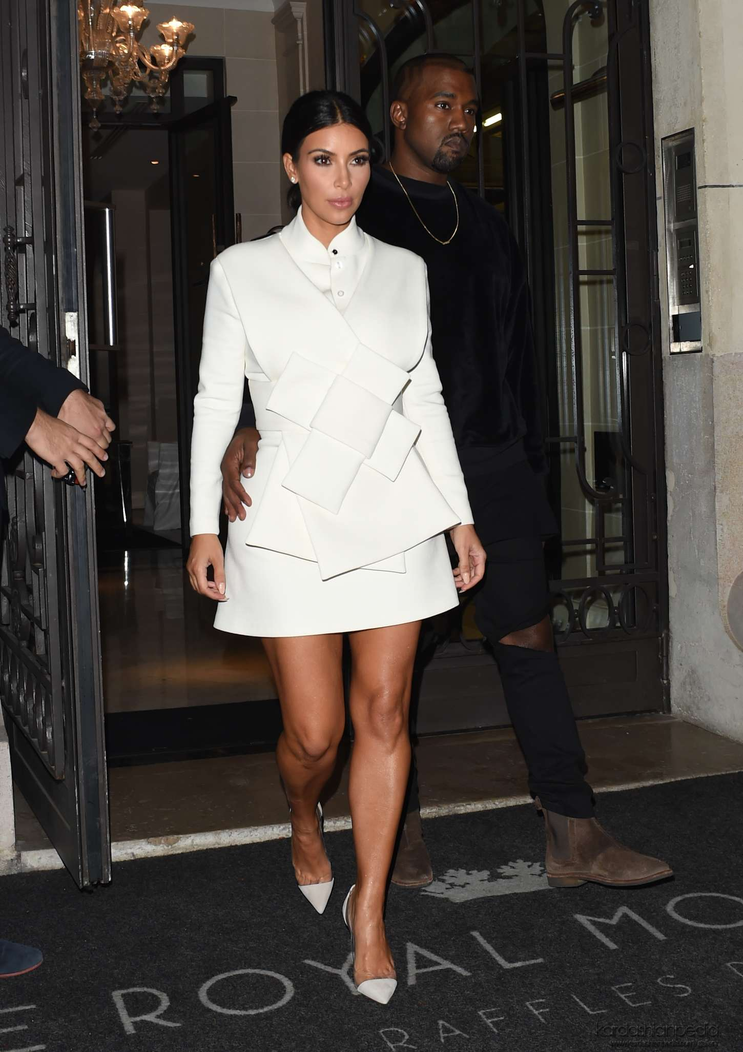 Kim And Kanye Going To A Fashion Week Party In Paris 9 24