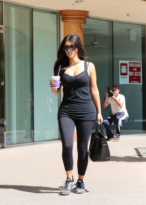 Kim Kardashian at gym in Calabasas -09