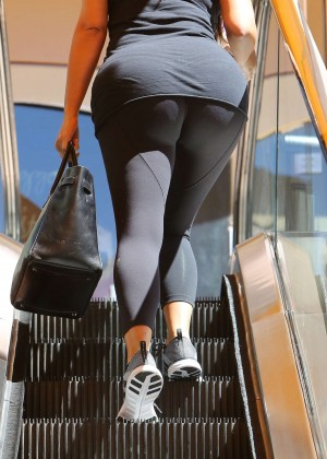 Kim Kardashian at gym in Calabasas -18