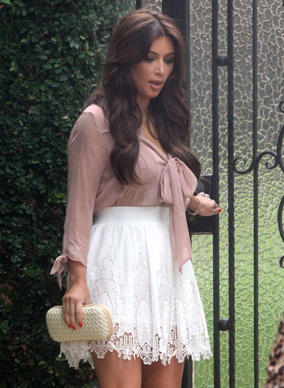 kim-kardashian-hot-in-short-white-skirt-in-beverly-hills-04