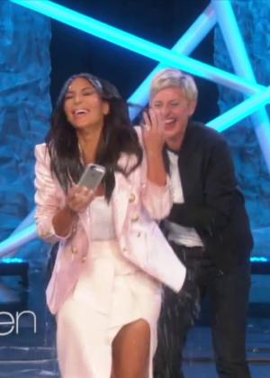 Kim Kardashian: Ice Bucket Challenge on Ellen -02
