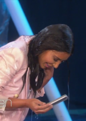 Kim Kardashian: Ice Bucket Challenge on Ellen -12