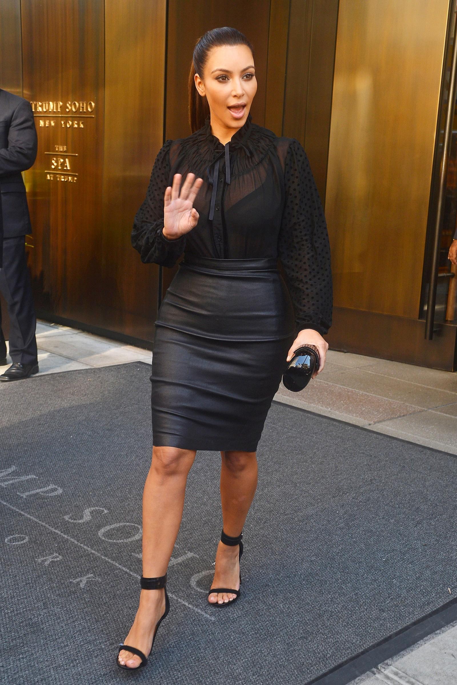 Kim Kardashian In Tight Leather Skirt In New York Gotceleb