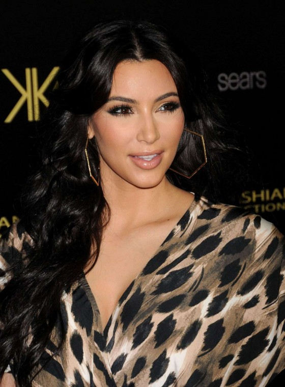 Kim Kardashian 2011 : Kim Kardashian At Her Kardashian Kollection Launch Party-05