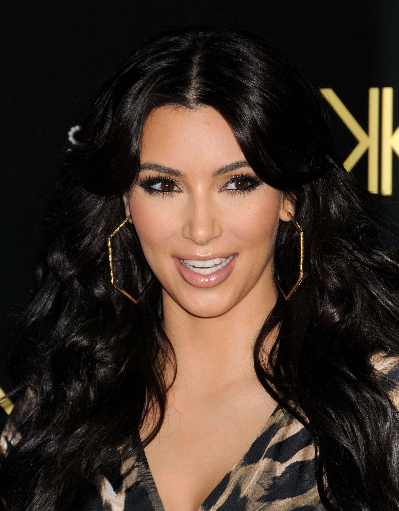 Kim Kardashian 2011 : Kim Kardashian At Her Kardashian Kollection Launch Party-06
