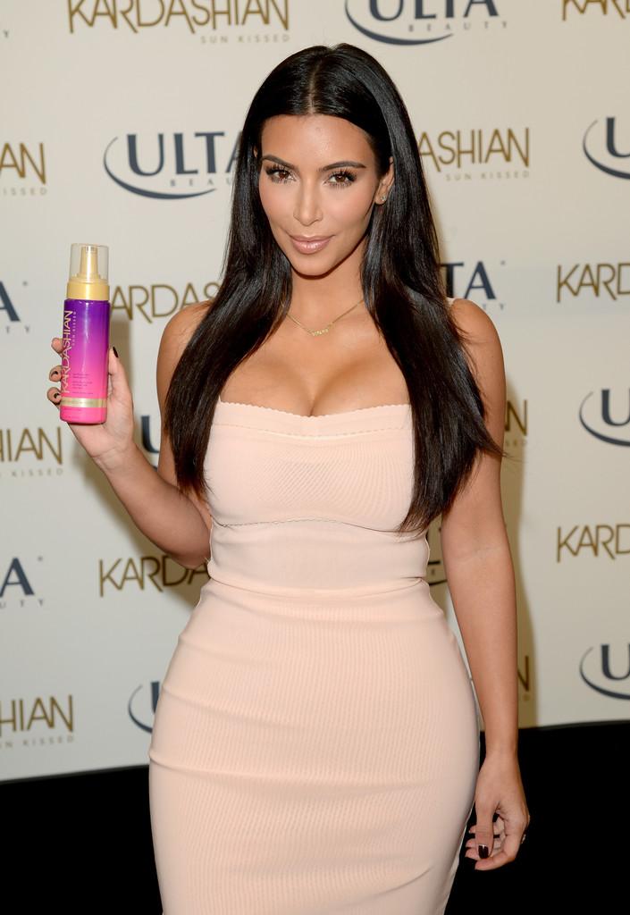 Pin by Aji on Kim kardashian | Kim kardashian, Kardashian