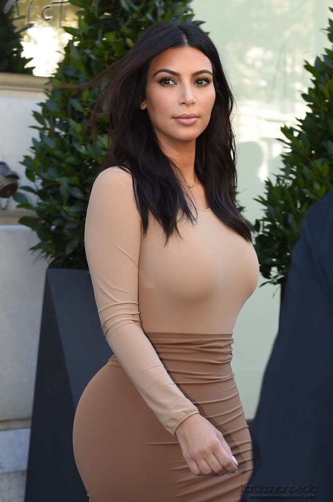 Kim Kardashian – Leaves Le Royal Monceau Hotel in Paris