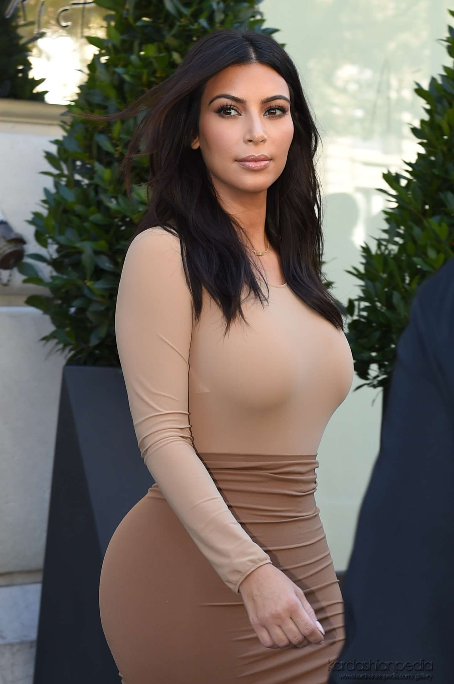 Kim Kardashian - Leaves Le Royal Monceau Hotel in Paris