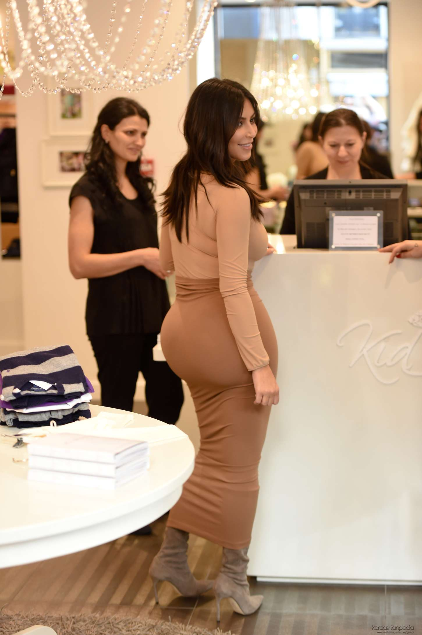 where celebrities shop kardashian