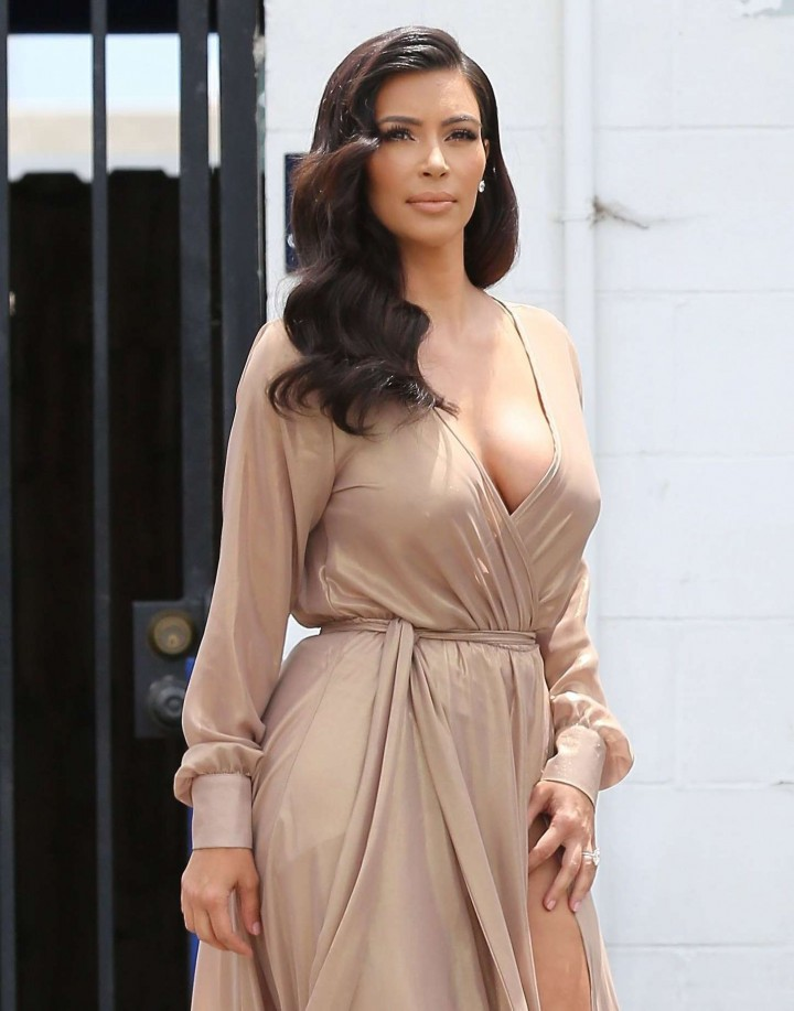Kim Kardashian Leaving a Studio in Los Angeles