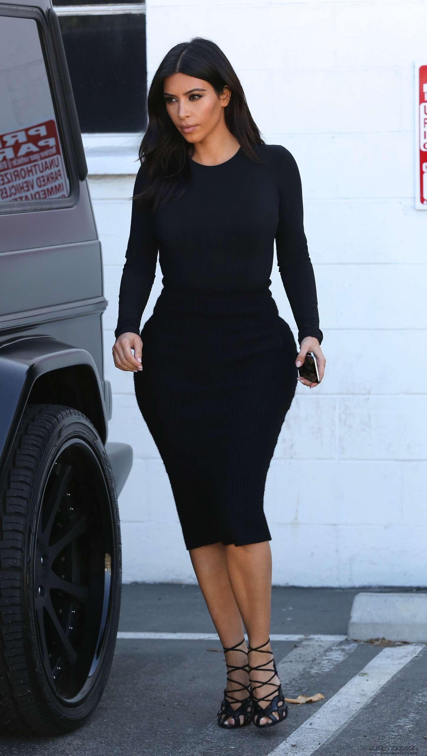 Kim kardashian in black dress at kung pao bistro 06 full size