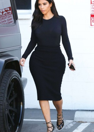 Kim Kardashian in Tight Black Dress Leaving Bunim/Murray Production Offices in Van Nuys