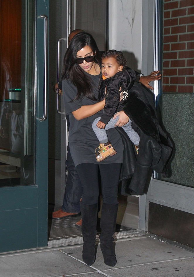 Kim Kardashian - Leaving her apartment in New York City