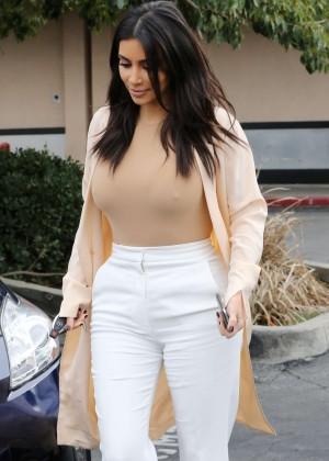 Kim Kardashian - Leaving Jerry's Famous Deli in Woodland Hills