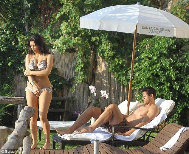 Секс-утехи медового месяца Ким Кардашиан под прицелом фотокамер.