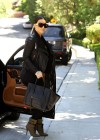 Kim Kardashian looks great in black-03