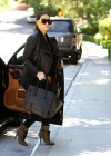 Kim Kardashian looks great in black-05