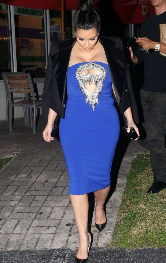 Kim Kardashian in tight dress -06