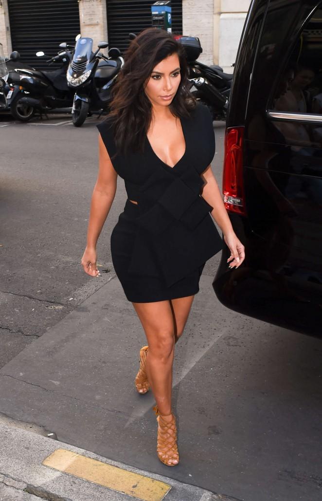 Kim kardashian in black mini dress 07 gotceleb