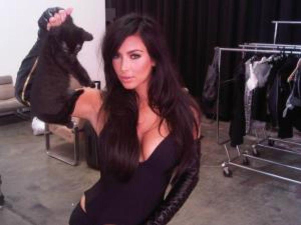 Kim Kardashian 2010 : kim-kardashian-photoshoot-in-australia-01