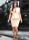 Kim Kardashian - shopping candids in Paris-06