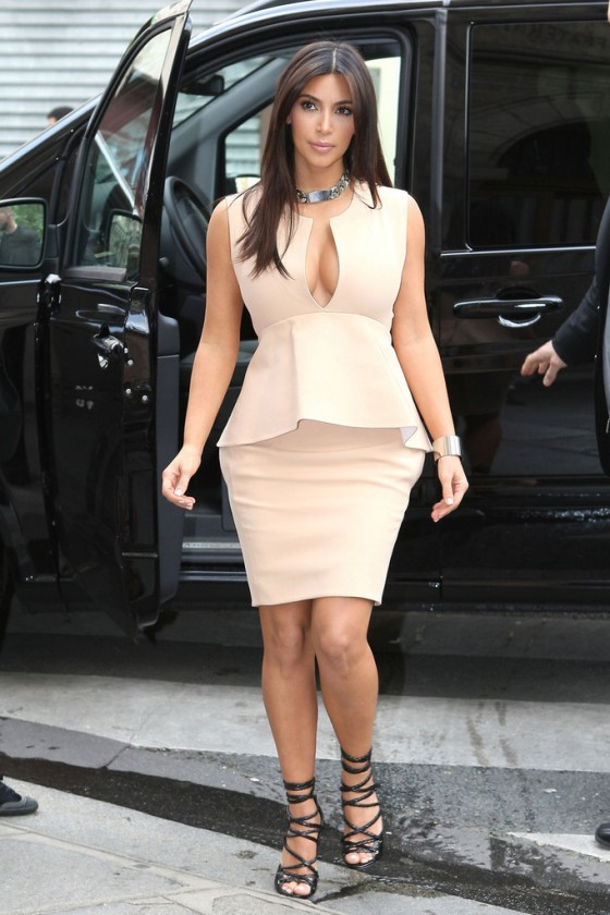 Kim Kardashian – shopping candids in Paris-06