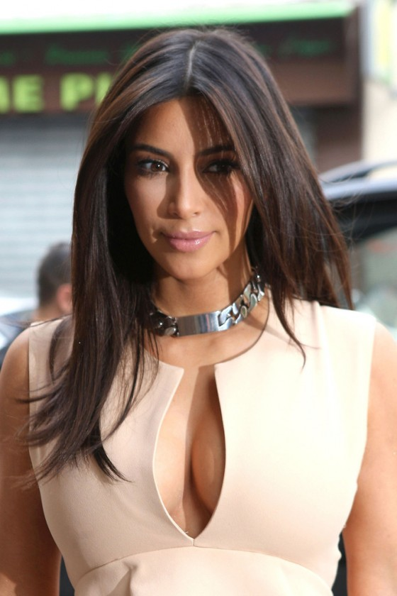 Kim Kardashian - hot candids in Paris