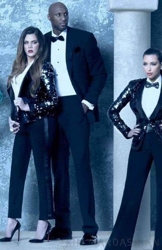 Kim Kardashian poses with family for Christmas card-02 – GotCeleb