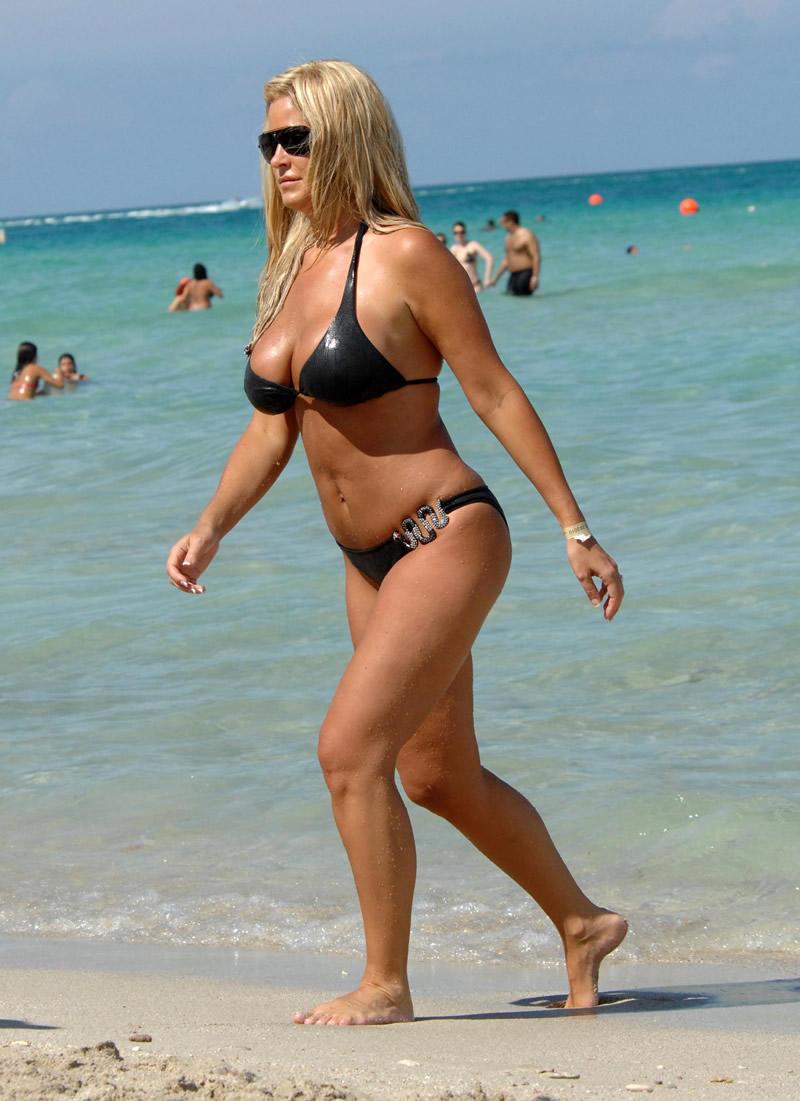 Kim Zolciak Sexy 65