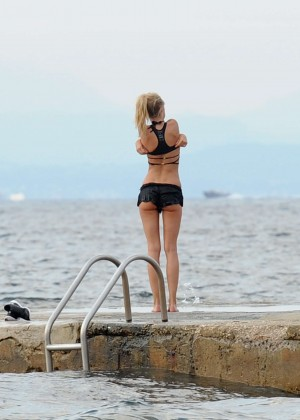 Kimberley Garner Bikini Workout: in Saint-Tropez -01