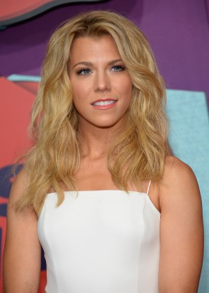 Kimberly Perry - 2014 CMT Music Awards in Nashville-01
